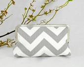 Zig Zag Gray Storm KissLock Clutch