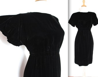 SALE Vintage 1940s Dress // 40s 50s Black Velvet Evening Party Dress with Winged Sleeves // The Temptress // DIVINE