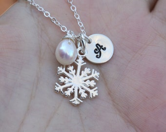 Snowflake necklace,Initial necklace,monogram necklace,custom birthstone,custom font,hand stamped,Winter wedding jewelry,bridesmaid gifts