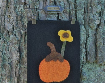 Primitive Pumpkin Wool Wall Hanging
