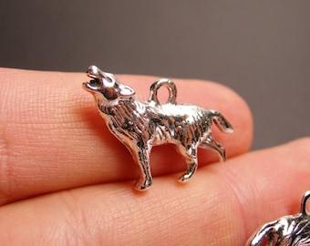 12 wolfe silver tone charm - 12 pcs - wolf howling -  ASA126
