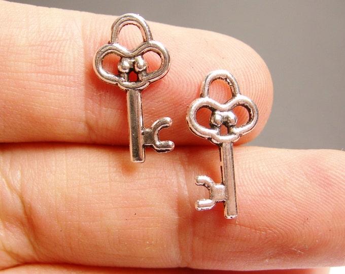 50 silver key charms - silver tone key charms  - 50 pcs -  ASA116