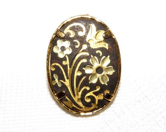 Damascene Oval Button With Flowers