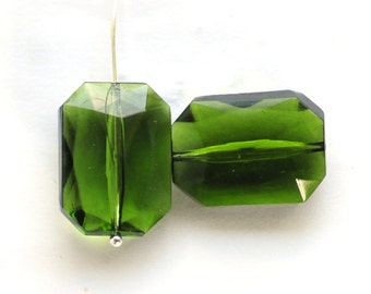 BEADS - 18x13mm Octagon Beads Octagon Glass Olivine Beads, 18x13 Octagon beads, Green Octagon Beads, (E2-R1-C4), Quantity 2