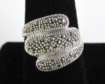 925 Sterling Silver & Marcasite Band - Attractive