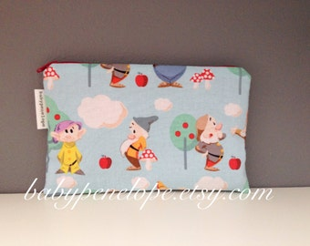 Pencil Case/Cosmetic Bag/ Gadget Case - Seven Dwarfs