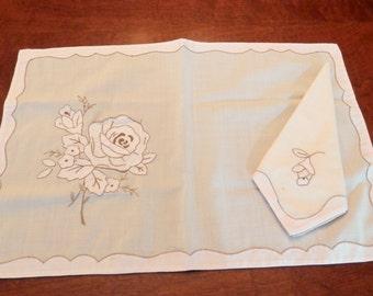 Vintage Embroidered Napkins and Placemat Set - Four Piece Applique Placemat Set