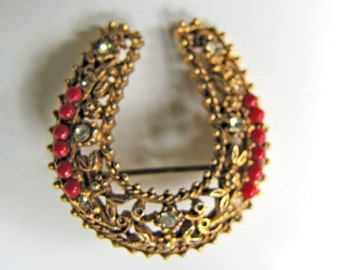 Vintage Florenza Victorian Revival Horse Shoe Brooch. Antique Russian Gold Filigree. Clear Crystal Rhinestones Coral Carnelian Beads. 1950