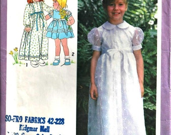 Flower Girl Dress Pattern Simplicity 8843 Size 3 Christmas Dress 1970s