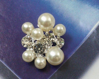 10  Pieces Silver Pearl and Rhinestone Metal Buttons Large Oval Shaped   25 mm  x  20 mm.  Bridal Embellishment