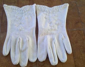 Ladies vintage beaded gloves