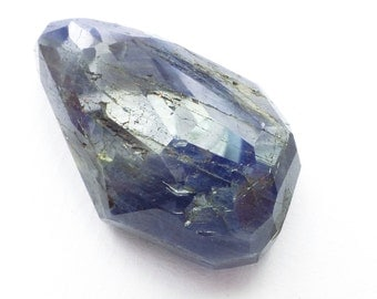 SAPPHIRE. Natural. GiGANTIC HuMONGOUS. Denim Jeans Blue. Micro Facet Top. Freeform. 1 pc. 110 cts. 37x24x12 mm (Sr147a)