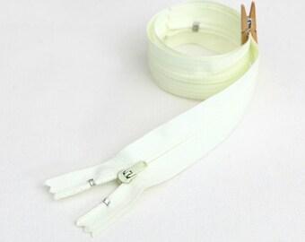 50cm (19.5 inches) zipper 55284-4 ivory
