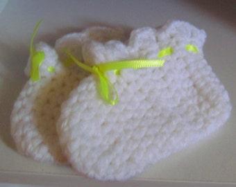 White Baby Booties, Newborn Baby Booties, White Newborn Booties, Baby Shower Gift
