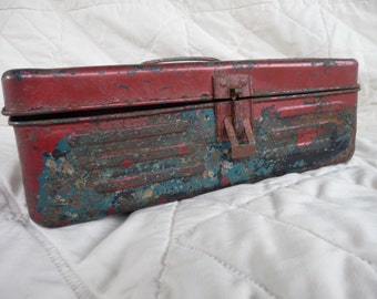 Metal Tackle Box with Latch and Handle, Fishing Box, storage