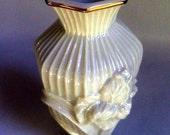 LENOX fine China Vase, Iris , Cream with 24Karat Gold