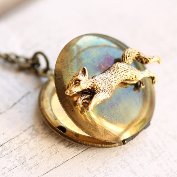 Fox Locket Necklace ... Vintage Woodland Pendant Gold