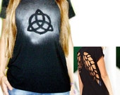 Celtic triquetra symbol mess sprayed black t-shirt for women