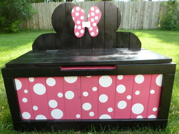 girls well built toy box by bordertowndesigns on etsy. Black Bedroom Furniture Sets. Home Design Ideas