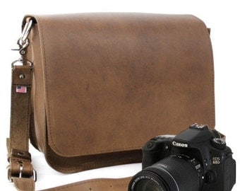 "15"" Brown Sonoma Mission Leather Camera Bag"