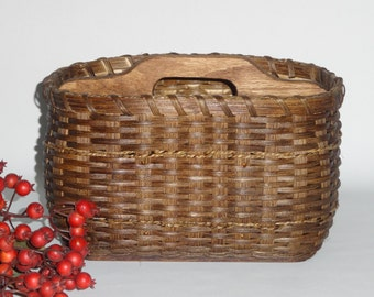 Paper Plate- Silverware Basket / Divided Basket / Organizer / Handwoven Basket