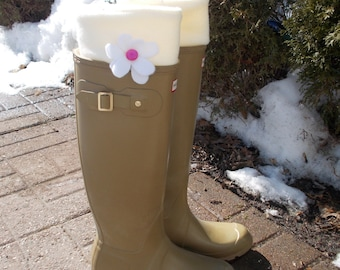Fleece Rain Boot Liners, Solid WHITE with your choice of Flower colour , Rainy Days, All Season, Great Gifts, Spring, Sm/Med , Med/Lrg