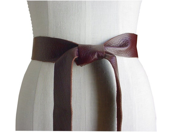soft leather tie belt tie on reddish brown by manobello