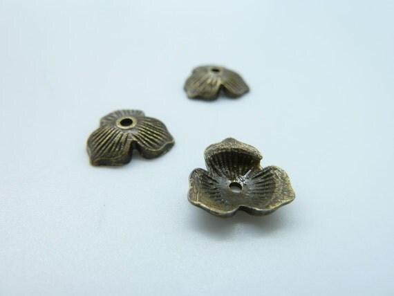 50pcs 10mm Antique Blue Bronze Three Leaves Bead Caps c164