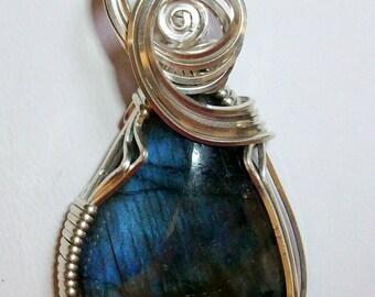 Blue Flash Labradorite Pendant in Silver Filled Wire
