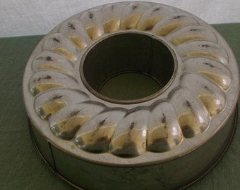 Vintage Mold Bundt Mold Ring Baking Mold