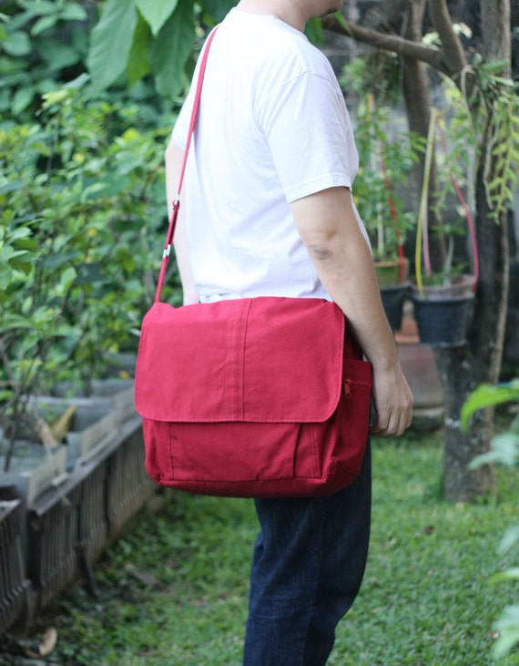 Men bag, messenger in Red Canvas, Diaper Bag, Hobo bag, Shoulder bag, Tote bag, Travel, Cross body bag, Unisex, 6 Exterior Pockets - Alex