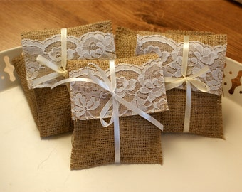 Sample burlap and lace favor bag