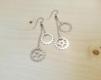 Steampunk Double Gear Sprocket Silver Plated Dangle Earrings - EAGEAR04