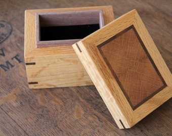 Wooden Jewelry Ring Box - Quarter Sawn Oak / Ingrain Oak Inlay / Walnut Accent