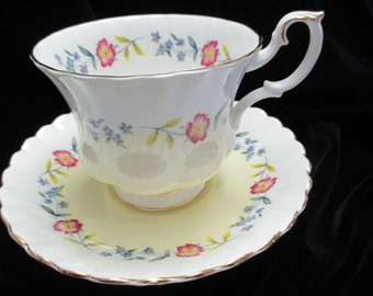 Royal Albert  Unknown pattern Numbered 4476 Pale Yellow Floral Cup and Saucer