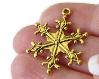 Antique Golden Snowflake Charms / Frozen Snowflake Winter Charms 29x22mm [10 pieces] -- Lead & Cadmium free 12740.1J5G