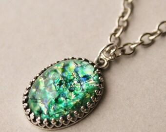 Vintage RARE Green Fire Opal Necklace,Green Harlequin Opal,Emerald Green Opal Necklace,Opal Jewelry,Heirloom,Vintage Glass Opal,Silver,Brass