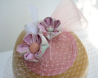 Dusty pink flowers' headpiece with veil