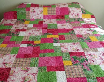 Tropical. Mediterranean. Big Blooms in Pinks. Hawaii. Caribbean. South Pacific. Beach Resort Floral  62 x 78 Lap quilt. Bed Runner.