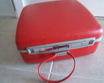 "Vintage 15"" Red Square Samsonite ContouraTravel Case"