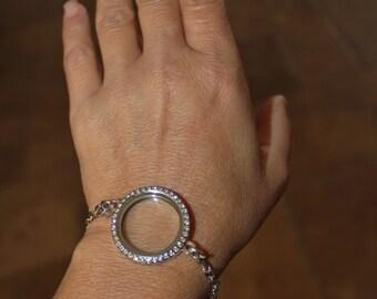 Floating locket, gold memory locket, silver glass locket, locket bracelet, personalized locket, Personalized Memory Locket