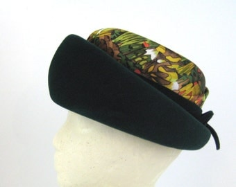 Hat 1950s Green Hat Green with Autumn Print Hat 50s Forest Green Hat Dark Green Hat Helen Joyce Original Bumper Hat Fall Hat Green Felt Hat