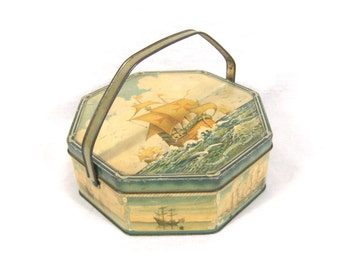 1920s Biscuit Tin Handled Loose-Wiles Biscuit Company Ships Sailing Beach Decor