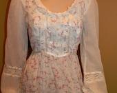 Jessica McClintock Gunne sax Dress.1970s Gowns.Prairie Dress .Renaissance Gowns .Game of Thrones.Outlander.Prom.Wedding.Size smaLL