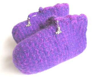 """Felt children slippers """"Little Witch"""", pure wool, seed beads, synthetic beads, Tibetan silver, purple, violet, lilac, OOAK, one of a kind"""