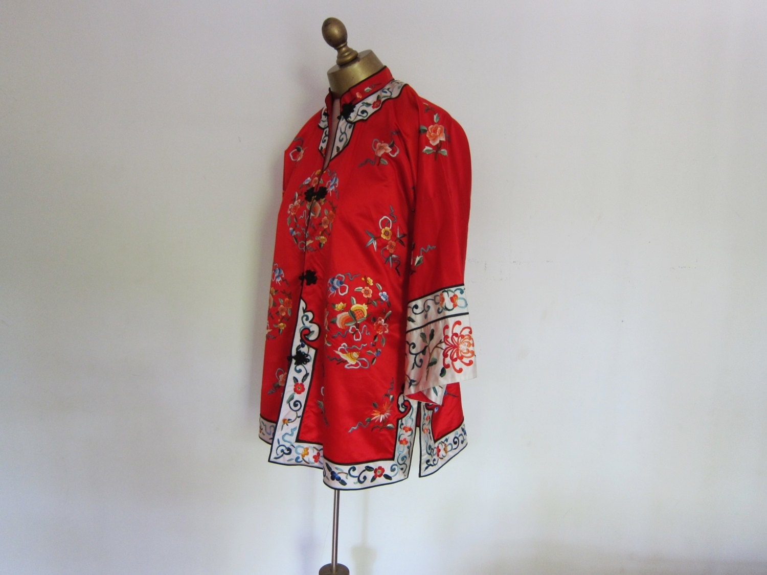 Vintage Chinese Jacket Embroidered Red By Boutiquefantastique