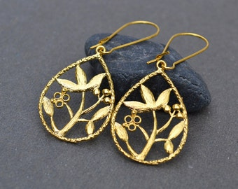Gold leaf earrings, skeleton leaf drop earrings, filigree dangle gold earrings, eco friendly mothers day gift for her, everyday jewelry sale