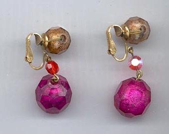 Beautiful vintage earrings signed Vogue