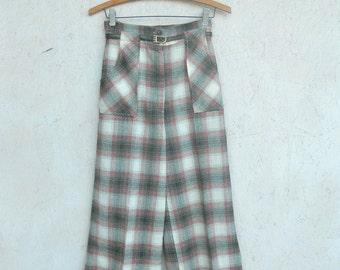 70s High Waisted Plaid Bell Bottom Pants . 25 waist