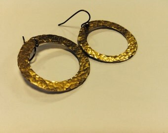Eco-Friendly Brass Hammered Circle Metal Dangle Earrings